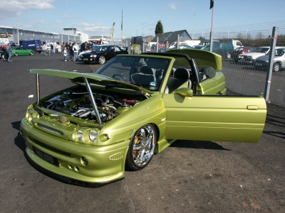 Ford-Escort-Chrome-Engine-400.jpg