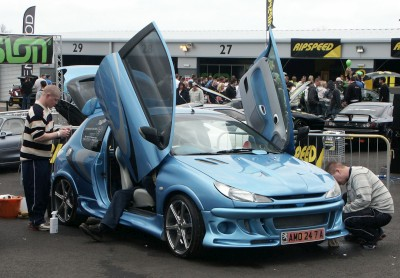 Peugeot 206 Bad Boy Bonnet: click to zoom picture.